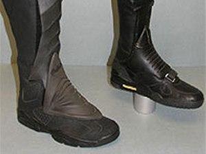 nike-air-trainer-iii-air-jordan-vi-batman-boots-2